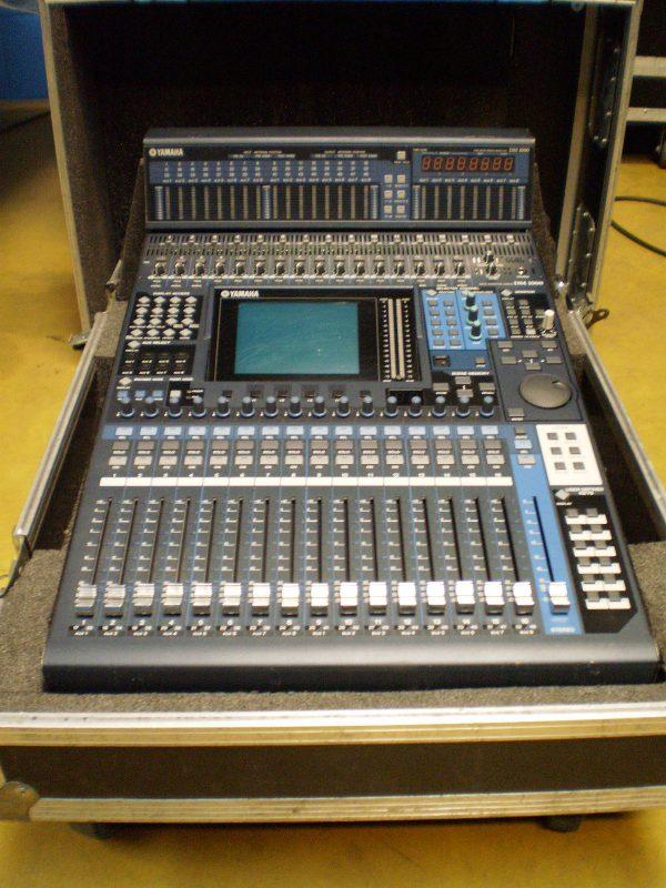 Yamaha DM 1000 V2