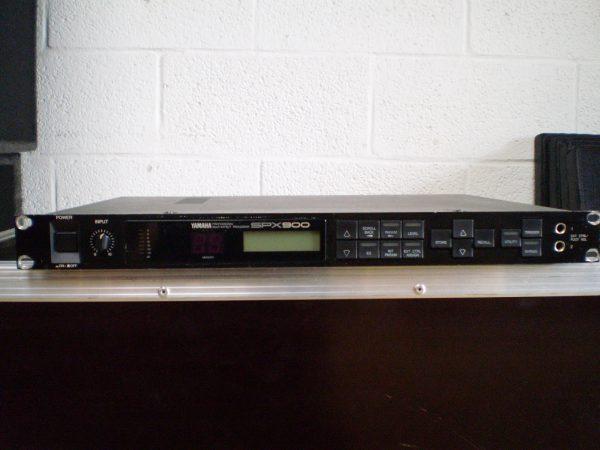 Yamaha SPX 900