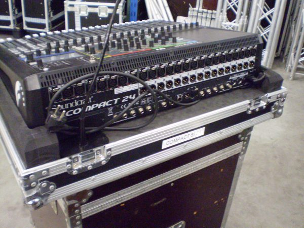 Soundcraft Compact SI 24