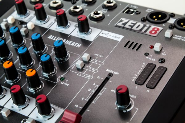Allen & Heath ZEDi-8